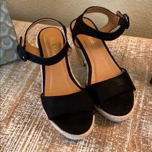 NEW! New Bella Marie black sandals , size 8.5